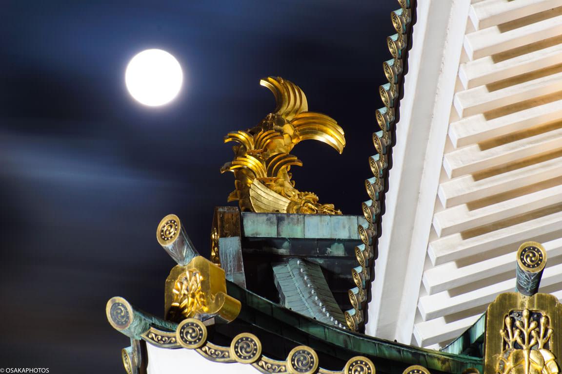大阪城と満月-08272